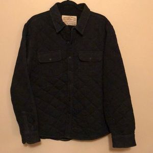 Men's quilted shirt/jacket.
